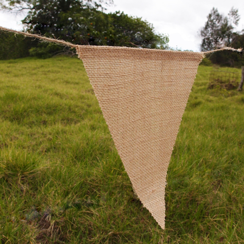 "8"" x 10"" Triangle Burlap Banners (x 12)"
