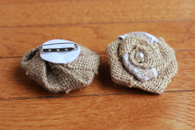Burlap and Lace Brooch (1 Dozen)