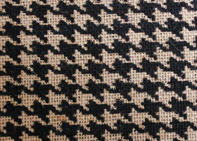 "Black/ Houndstooth Grey 60"" Burlap Bolt-20 Yds"