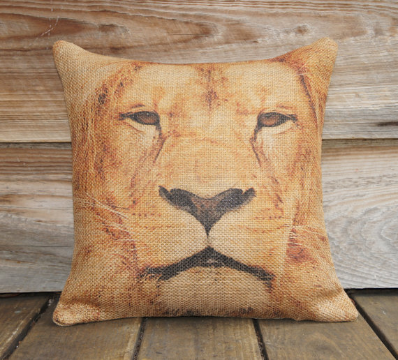 "18"" x 18"" Lion Burlap Pillow Case"